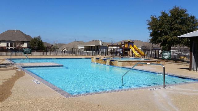 Dallas Commercial Pools